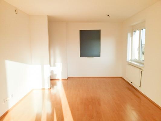Immobilie von Schönere Zukunft in 2630 Ternitz, Ruedlstraße 44b / Stiege 2 / TOP 4 #3