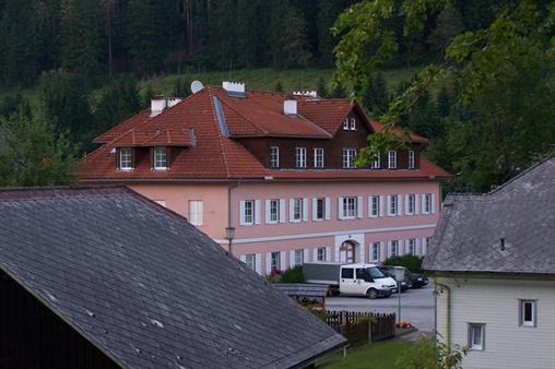 Immobilie von Schönere Zukunft in 2662 Schwarzau/Gebirge, Markt 2 / Stiege 1 / TOP 9 #1