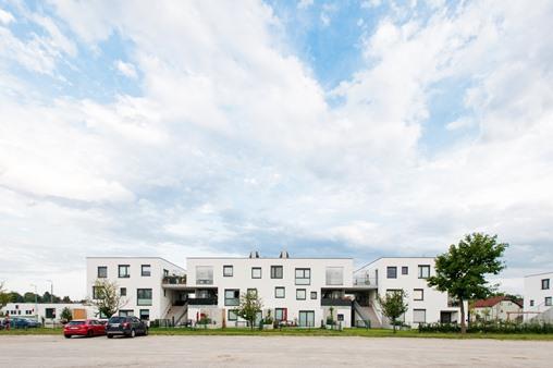 Immobilie von Schönere Zukunft in 3701 Großweikersdorf, Badweg 26 / Stiege 5 / TOP 42 #1