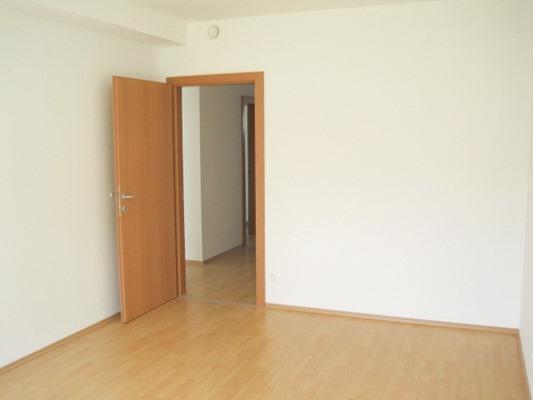 Immobilie von Schönere Zukunft in 2630 Ternitz, Ruedlstraße 44b / Stiege 2 / TOP 1 #7